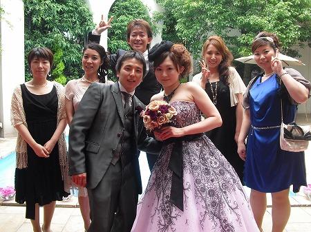 今週日曜日、4月までナオデンで働いてくれた泉田さん(旧姓)の結婚式にお呼ばれしてきました。 スタッフも一緒でした。